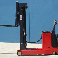Enforcer Electric Walkie Reach Stacker: 1,000kg
