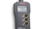 Compact Thermo-Hygrometer with Built-in Sensor | HI 93640