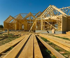 Total seasonally adjusted new home sales eased by 0.4 per cent in December 2013.